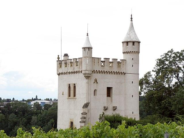 La tour de pierre for Tour de chavannes